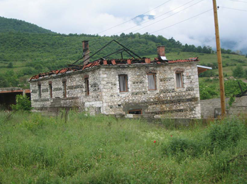 Etnicko_nasilje_na_Kosovu-mart_2004